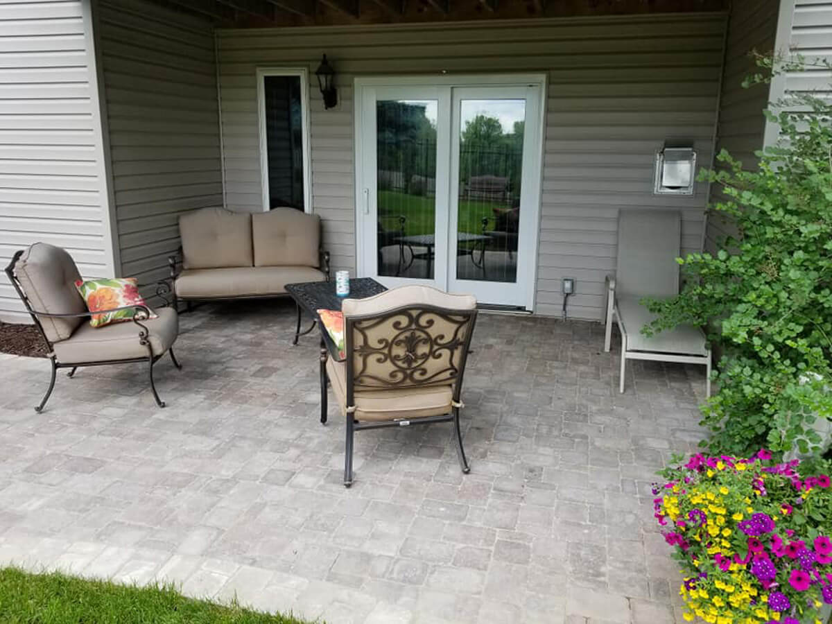 Back-yard-paver-patio-Omaha-Landscaping-Above-and-Beyond-CGM