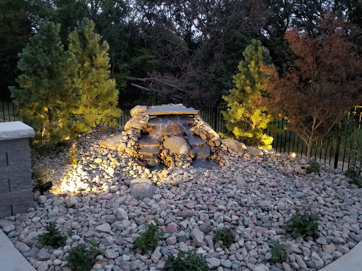 Omaha-landscaping-company-water-feature