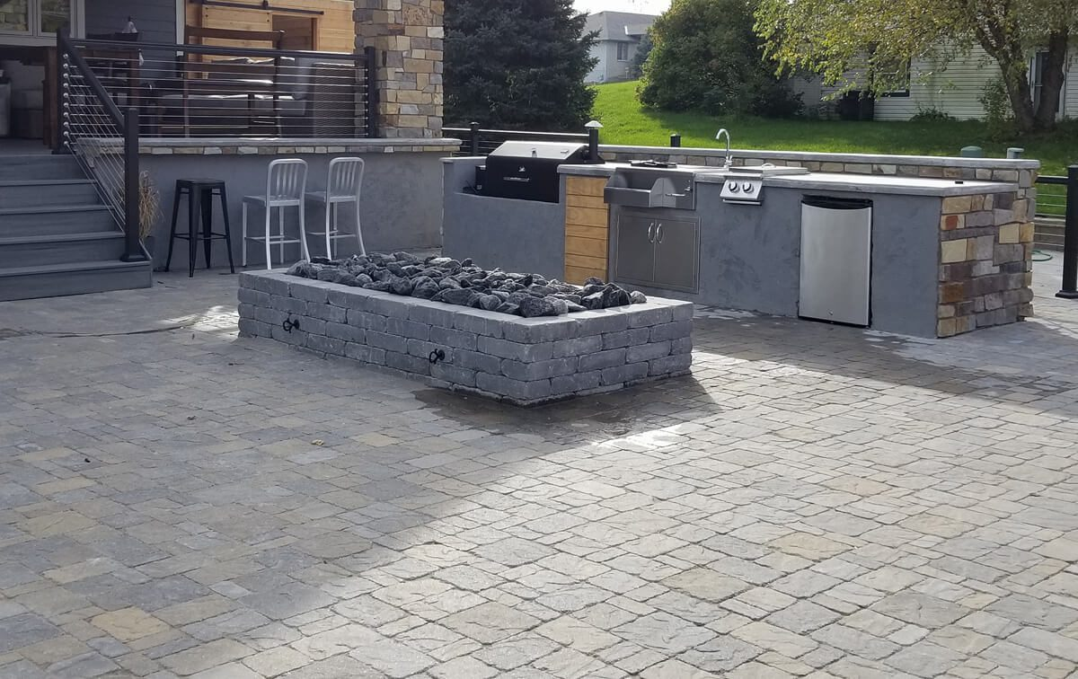 Outdoor-kitchen-Omaha-Backyard